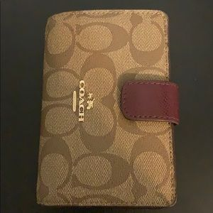 Coach small bifold wallet